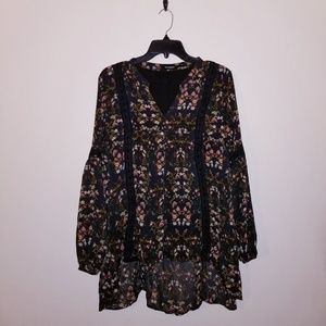 Blu pepper large red and black flowy blouse